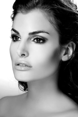 London Beauty Photographer - Simona Ehmann
